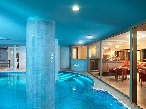 Hotel mondial bellaria igea marina - Hotel corvara con piscina interna ...